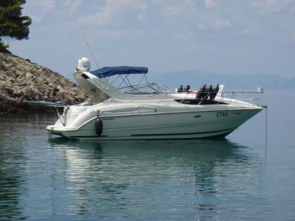 Loď Bayliner 3055
