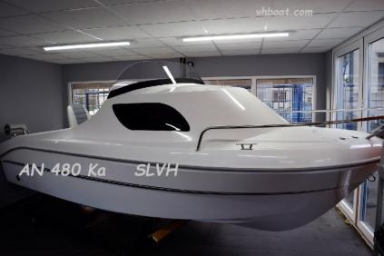 Motorový kajutový člun AN 480 Ka  SLVH