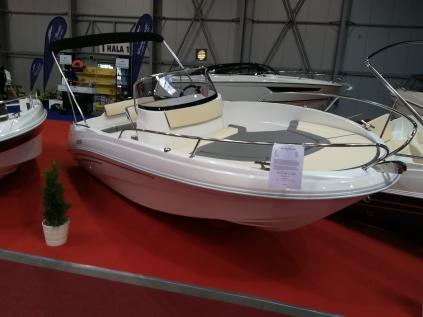 Nový AM Yacht 560