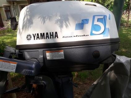 Lodní motor Yamaha čtyřtakt
