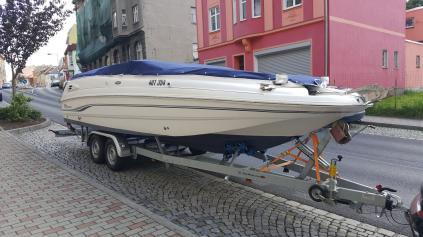 Motorový člun Chaparral 232Sunesta