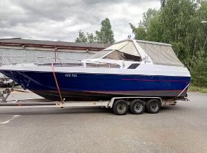 Obytná motorová loď