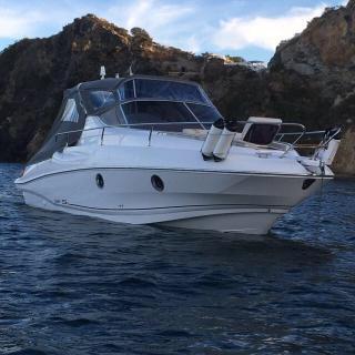 Luxusní rodinná jachta Laver 23xl / 7,62 metru + zabudovaný motor