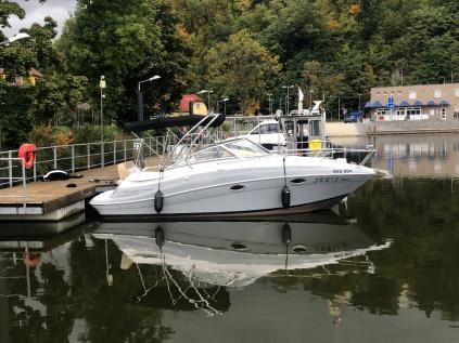 Prodám kajutový motorový člun Four Winns V265, rok výroby 2011, najeto pouze 158 mt/h