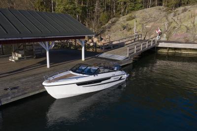 Motorový člun Yamarin 60 DC