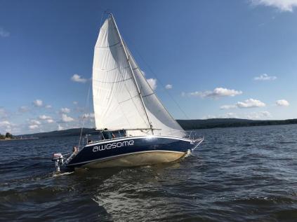 Prodej sportovní kajutové plachetnice CONRAD 760 T - ( PETERSON 25)